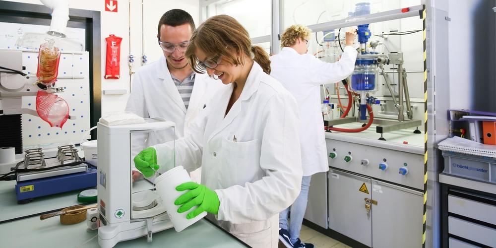 Обучение в лаборатории - (с) EPFL Alain Herzog